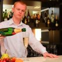 Отель Лесная Песня - бармен