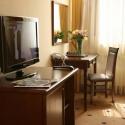 Отель Гранд Отель Пилипец - стол в стандартном номере