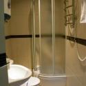 Отель Шелтер (Shelter) - душевая кабина в номере двухместный эконом