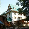 Отель Водоспад